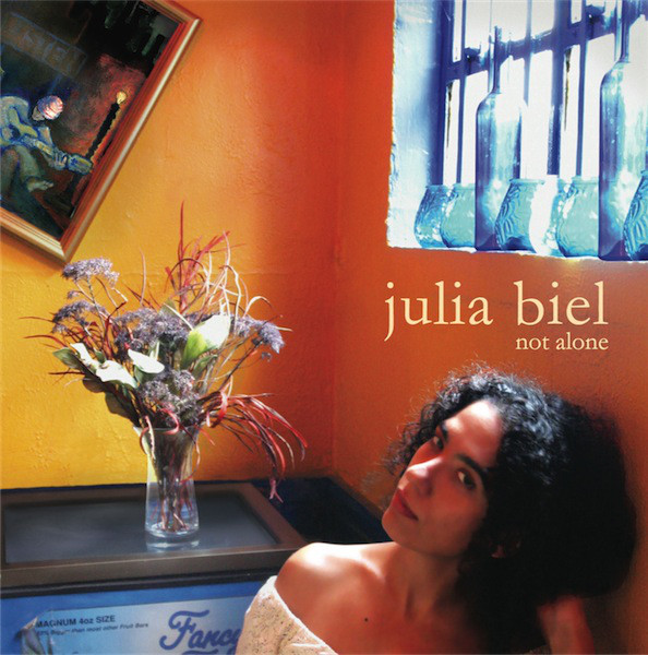 Biel, Julia Not Alone